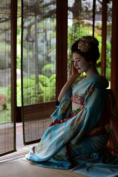 In Love with Japan: Photo All About Japan, Kyoto Japan, Japanese Beauty, Japanese Kimono, Kimono Fashion, Traditional Outfits, Saree, People, Beautiful