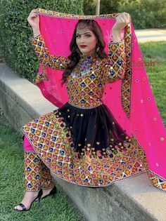 Knee Length Thread and Mirrors Work Dress. Source by tahminanassraty dresses afghani clothes Simple Pakistani Dresses, Indian Gowns Dresses, Pakistani Bridal Dresses, Indian Fashion Dresses, Pakistani Dress Design, Indian Designer Outfits, Frock Fashion, Stylish Dresses For Girls, Stylish Dress Designs