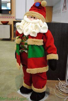 me ~ Pin by paola galaz on Manualidades navideñas Blue Christmas Decor, Large Christmas Stockings, Christmas Fabric, Country Christmas, Christmas Decorations, Christmas Elf Doll, Felt Christmas, Christmas Crafts, Xmas
