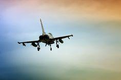 Nieuw in mijn Werk aan de Muur shop: Eurofighter kleurrijke hemel