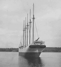 10 Incredibly Haunting Tales of Real-Life GhostShips