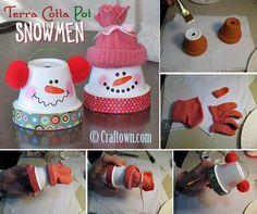 publicidade publicidade Faça um bonequinho de neve diferente colorindo um vaso de barro e complementando com tecido. publicidade Fique atualizado! Receba posts como este por e-mail. Selecionados pra vocêBoneco de ...Ler mais