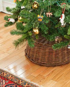 A Simple Tree Skirt Alternative - Yellow Brick Home Christmas Tree In Basket, Christmas Tree Base, Diy Christmas Tree Skirt, Xmas Tree, All Things Christmas, Christmas Holidays, Christmas Decorations, Christmas Ideas, Holiday Decorating