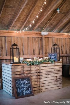 Love this pallet bar from The Barn in Zionsville! Captured beautifully by Conforti Photography, floral and rental from Accent Floral Design, styled by Cooper Events and signage from Eva Marie Typography!   www.thebarninzionsville.com www.confortiphoto.com www.sarahcooperevents.com #thebarninzionsville #sarahcooperevents #confortiphoto