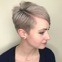 Ash Blonde Tapered Cut With Side Bangs Prom Hairstyles For Short Hair, Choppy Bob Hairstyles, Short Pixie Haircuts, Hairstyles With Bangs, Homecoming Hairstyles, Party Hairstyles, Grey Hairstyle, Wedding Hairstyles, Choppy Hair