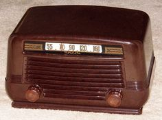 Vintage Motorola Table Radio, Model 55X11A, 5 Tubes, Broadcast Only (MW), Made In USA, Circa 1946.
