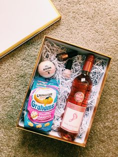 Perfect 21st birthday gift for a girl! Made a 21st birthday box for my best friend's party. Affordable and cute!