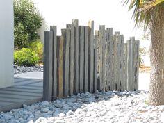 "Résultat de recherche d& pour ""piquet en ardoise bois jardin"" - Slate Garden, Seaside Garden, Coastal Gardens, Beach Gardens, Garden Cottage, Garden Edging, Outdoor Gardens, Outdoor Rooms, Outdoor Living"