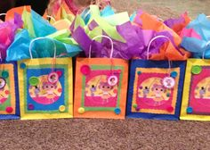Lalaloopsy party bags. DIY Dollar store bags and buttons.