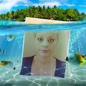 Sara's Fish. Photo shared via Share.Pho.to The portrait shows Sara Mazzolini underwater.