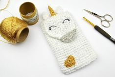 """This Unicorn phone neck pouch can be an amazing and quick crochet gift idea for Unicorn Fan of any age! Quick Crochet Gifts, All Free Crochet, Love Crochet, Crochet Bags, Crochet 101, Irish Crochet, Crochet Crafts, Crochet Designs, Crochet Patterns"