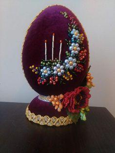 Twine Crafts, Egg Crafts, Easter Crafts, Coconut Decoration, Easter Egg Designs, Paper Vase, Concrete Crafts, Beaded Christmas Ornaments, Egg Art