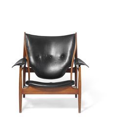 A teak easy chair. Seat, armrests and back upholstered with original black leather, back fitted with buttons. by cabinetmaker Niels Vodder, stamped by maker. Furniture Making, Wood Furniture, Furniture Design, Danish Modern Furniture, Second Hand Stores, Old Houses, Teak, Black Leather, Retro