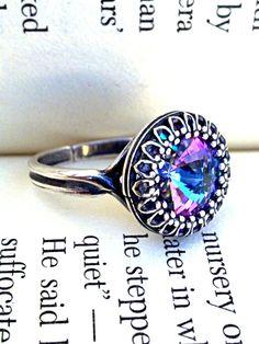 Victorian Gothic Swarovski Ring  Vitrail Light by ApplebiteJewelry, €22.00
