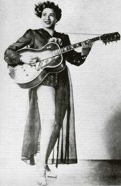 Apprenez à jouer de la guitare comme Memphis Minnie sur MyMusicTeacher.fr