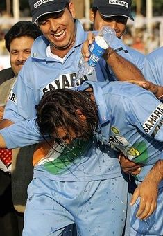 India Cricket Team, World Cricket, Cricket Sport, Ms Dhoni Profile, Crickets Funny, Cute Happy Quotes, Ricky Ponting, Ms Dhoni Wallpapers, Ms Dhoni Photos