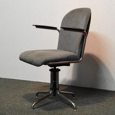 For sale: Gispen office chair, Used Office Chairs, Ashley Furniture Chairs, White Leather Dining Chairs, Wicker Chairs, Parsons Chairs, Wishbone Chair, Living Room Chairs, Design, Home Decor