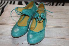 mes dernières chaussures achetées, j'aime avoir des chaussures qui sortent de l'ordinaire
