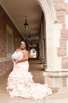 Get inspired by this Great Gatsby wedding with blush Divina wedding dress, from glittering accessories to the super-fab nuptials. Plus Size Wedding Dresses With Sleeves, Plus Size Wedding Gowns, Colored Wedding Dresses, Beautiful Wedding Gowns, Dream Wedding Dresses, Great Gatsby Wedding, Gold Wedding, Wedding Ideas, Burgundy And Blush Wedding