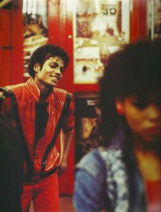 Image discovered by Find images and videos about fashion, michael jackson and king of pop on We Heart It - the app to get lost in what you love. Michael Jackson Vivo, Michael Jackson Thriller, Jackson Family, Jackson 5, Hee Man, King Of Music, The Jacksons, Star Wars, Cultura Pop
