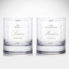 Ein Schluck Sekt zur Hochzeit ist gut - ein Schluck Whisky ist besser. Vorausgesetzt, man mag sowas. Dann sind unsere Whiskygläser mit Gravur zur Hochzeit - Brautpaar - klassisch allerdings mit Sicherheit die perfekte Wahl.