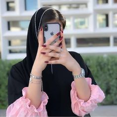 Mode Abaya, Mode Hijab, Stylish Girls Photos, Stylish Girl Pic, Cute Girl Photo, Girl Photo Poses, Whatsapp Dp, Stylish Hijab, Fashion Clipart
