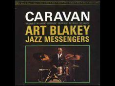 Reggie Workman es un bajista estadounidense de jazz que nació el 26 de junio de 1937 Art Blakey & The Jazz Messengers - Caravan - YouTube