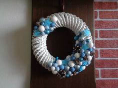 www.pletenizpapiru2cz.estranky.cz Hanukkah, Wreaths, Home Decor, Christmas Crafts, Homemade Home Decor, Door Wreaths, Deco Mesh Wreaths, Interior Design, Home Interiors