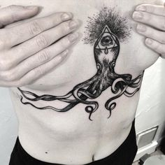 Done at @lephylactere #pieuvre #octopus #underboobs #faustink #faustinktattoo…