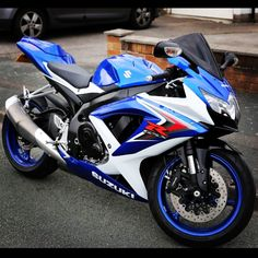 Suzuki Gsxr 750 k8 The blue on the rims though
