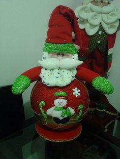 Muñeco de Navidad Elf On The Shelf, Christmas Ornaments, Holiday Decor, Christmas Decor, Feltro, Scrappy Quilts, Fabric Doll Pattern, Holiday Ornaments, Lights
