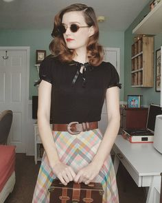 Vintage Outfits, Vintage Fashion, Vintage Instagram, Full Look, Skirt Fashion, Cute Dresses, Giraffe, Girly, Style Inspiration