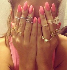 These nails!!! Pointy nails are totally IN! doing this today for the first time at my nail appointment!