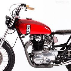 Scramb'ass 1972 Yamaha XS650....Shhhh i have a really big thing for dirt bikes...and motorcycles!!..Shhhhhhhhh!!!!!!!..XOXO