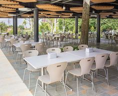 Cafeterías y restaurantes - Scanform Y Food, Food Court, Living Spaces, Conference Room, Dining Table, Table Decorations, Furniture, Home Decor, Tinkerbell