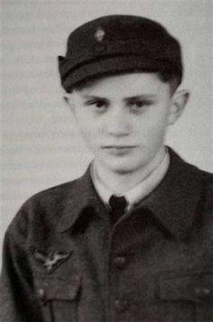 Papa Benedicto XVI cuando era niño.