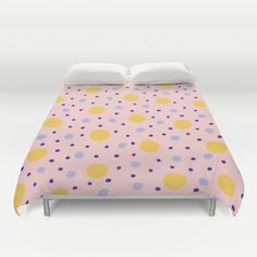 Dots #1 #interior #home #decor #decoration #decoracion #casa #bedroom # habitacion #design #diseño #bed #cama #duvet #edredon #cover #sleep #marble #marmol #texture #gradient #abstract #dots #love #pattern #society6 @society6