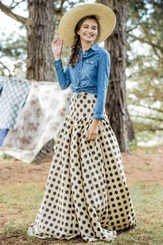 Waltzing Matilda Polka Dot Ball Skirt from the Aussie Afternoon Collection by Shabby Apple. I am not too excited about the shirt/hat, but that skirt is kinda fun ; I Love Fashion, Modest Fashion, Retro Fashion, Passion For Fashion, Modest Outfits, Skirt Outfits, Dress Skirt, Cute Outfits, Ball Skirt