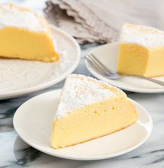 This Japanese-style souffle cheesecake is just three ingredients. It's light, fluffy, and a shortcut version of the traditional Japanese cheesecake. Round Cake Pans, Round Cakes, 3 Ingredient Cheesecake, Japanese Cheesecake Recipes, Nutella Banana Bread, Melting Chocolate, White Chocolate, Hamburgers, 3 Ingredients