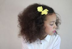 gorgeous hair and simple bow Kids School Hairstyles, Diy Fashion Accessories, Spring Hairstyles, Fashion Sandals, Disney Family, Creative Kids, Gorgeous Hair, Diy For Kids, Curly Hair Styles