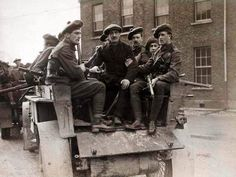 Eye Witness Account of the Black and Tans and Raids in Ireland Irish Independence, Easter Rising, Images Of Ireland, British Uniforms, Old Photography, Ares, Luck Of The Irish, Slums, Dublin