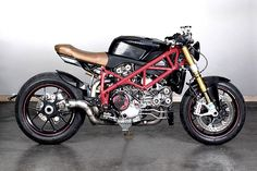 KING HIT. MotoVida's Kickass Ducati 1098S Streetfighter - Pipeburn.com