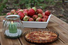 Lyhtyjä ja omenia