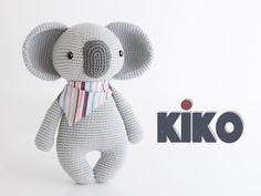 Koala Amigurumi - ideas hermosas y diferentes Amigurumi Doll, Amigurumi Patterns, Crochet Patterns, Felt Dolls, Crochet Dolls, Knitting Projects, Crochet Projects, Handmade Stuffed Animals, Elephant Pattern