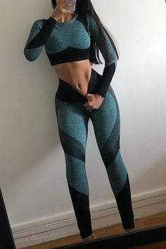 Color Block Crop T Shirt Leggings Set Teen Fashion Outfits, Girl Outfits, Sport Outfits, Dress With Converse, Sexy Workout Clothes, Womens Workout Outfits, Fitness Outfits, Gym Clothes Women, Mesh Leggings