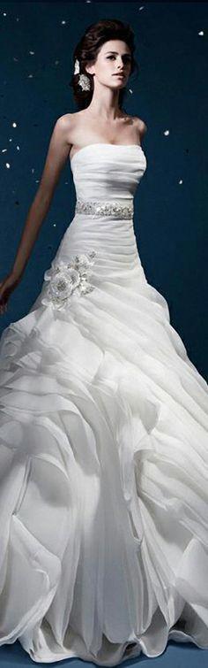 2014 HAUTE COUTURE EVENING DRESSES | 2014 HAUTE COUTURE BRIDAL GOWNS |