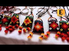 (1) collares huichol - YouTube Seed Bead Earrings, Beaded Earrings, Seed Beads, Beaded Jewelry, Diy Jewelry, Jewelry Bracelets, Crochet Earrings, Drop Earrings, Beading Tutorials
