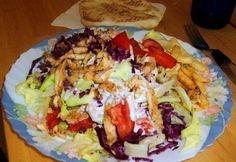 Gyros tál 4. - gazdagon tzatziki öntettel Gyro Pita, Tzatziki, Meat Recipes, Street Food, Hamburger, Grilling, Cabbage, Mexican, Baking