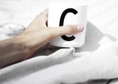 Nun kannst Du deinen leckeren 'C'offee aus deiner Buchstaben-Tasse trinken. Hier entdecken und kaufen: http://sturbock.me/4P5