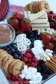 Smores Dip for a Dessert Charcuterie Board - Hoosier Homemade Snack Platter, Dessert Platter, Bon Dessert, Party Food Platters, Cheese Platters, Dessert Buffet, Dessert Food, Charcuterie Recipes, Charcuterie Platter